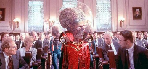 L'ambasciatore di Marte e i rappresentanti del Congresso USA, pochi istanti prima di essere inceneriti.