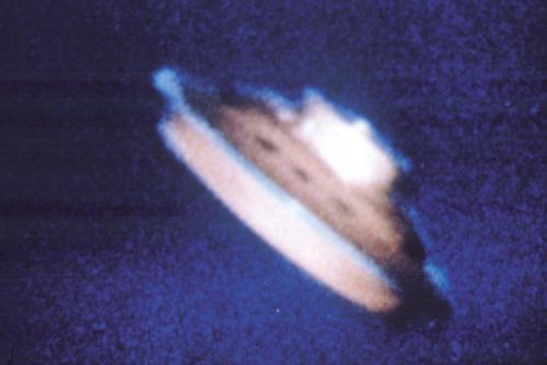 UFO discoidale fotografato in Danimarca nel 1973 (archivio M. Baiata)