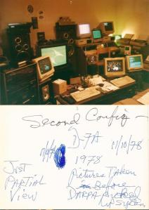 1978: il laboratorio di Michael Wolf e la seconda configurazione della sua computer station, con descrizione di suo pugno nella didascalia.  (Foto: Paola Harris)