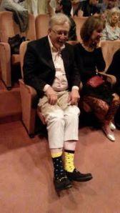 Jack Sarfatti usa indossare calzettoni di colori diversi... (foto: archivio Jack Sarfatti)
