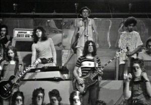 Battiato con il suo gruppo nel 1972 (fonte: Wikipedia)