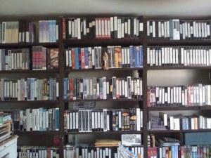 Una parte della collezione di videocassette di W. Stevens. (Foto: Maurizio Baiata)
