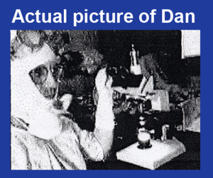 Dan Burisch in tuta anticontaminazione.