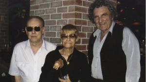Ron Garner con i genitori di Dan Burisch.