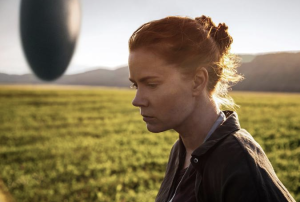 "Amy Adams, splendida protagonista del film ""Arrival"" (courtesy: Warner Entertainment)"